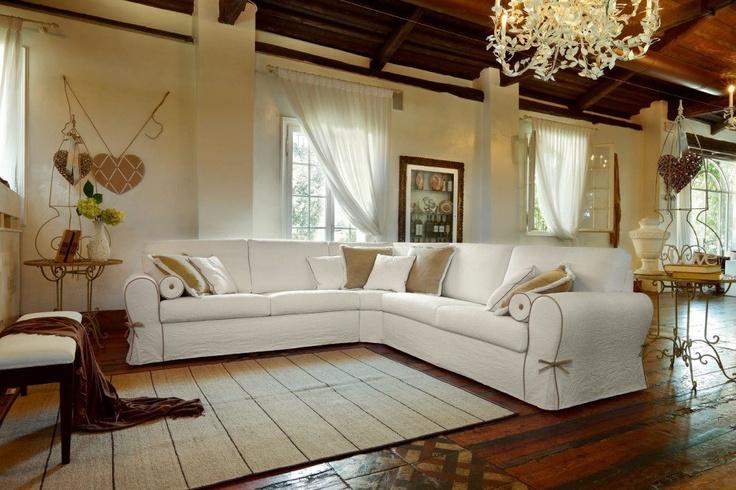 Che ne dici di questo #divano per passare le tue comode serate?