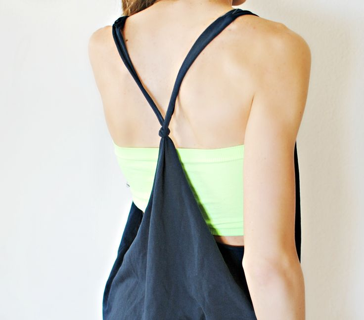 DIY knotted racerback from tshirt | Trash To Couture (I LOVE cutting up oversized old Tees... Seriously. No T-shirt is safe with me!!)