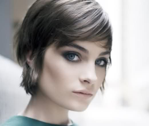 styles while growing out hair how to grow out a pixie cut search 9038