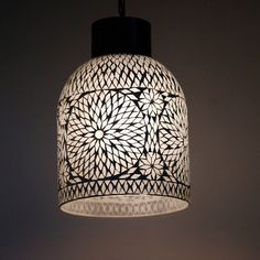 www.depauwwonen.nl Dit model bestaat in meerdere kleuren en designs. Ø 23 cm hoogte 30 cm Tags: #Turkse lamp, #Mozaiek lamp, #Turkse mozaiek lamp, #Arabische lamp, #Oosterse lamp, #Oriëntaalse lamp, #1001-nacht lamp, #Marokkaanse lamp, #Egyptische lamp, #Indiase lamp