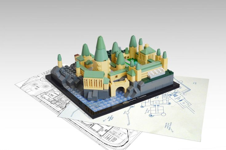 The school year has started at microscale LEGO Hogwarts Castle