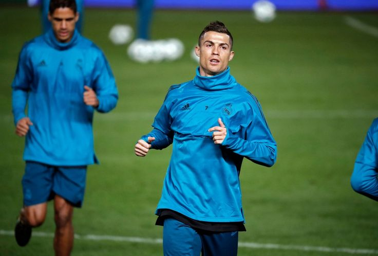 Cristiano Ronaldo Photos - Real Madrid's Portuguese forward Cristiano Ronaldo takes part in a training session in the Cypriot capital Nicosia's GSP Stadium on the eve of the UEFA Champions League football match APOEL FC against Real Madrid, on November 20, 2017.  / AFP PHOTO / THOMAS COEX - APOEL Nikosia v Real Madrid - UEFA Champions League