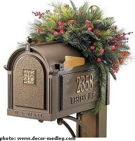 Mailbox decoration-I wonder how long this would last before vandals knocked it into the next county!