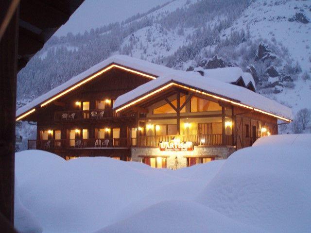 L'Artisin***  Gemütliches, familiengeführtes Hotel mit Ecolabel Zertifizierung und schönen Komfortzimmern Buchen Sie Ihren Aufenthalt unter: http://www.hotelartisin.com/