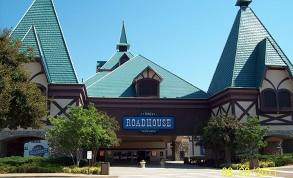 Roadhouse Casino, Tunica, MS; once the Sheridan, now operated by Harrahs.  Not the busiest of the Tunica Casinos, but a fun place to play.