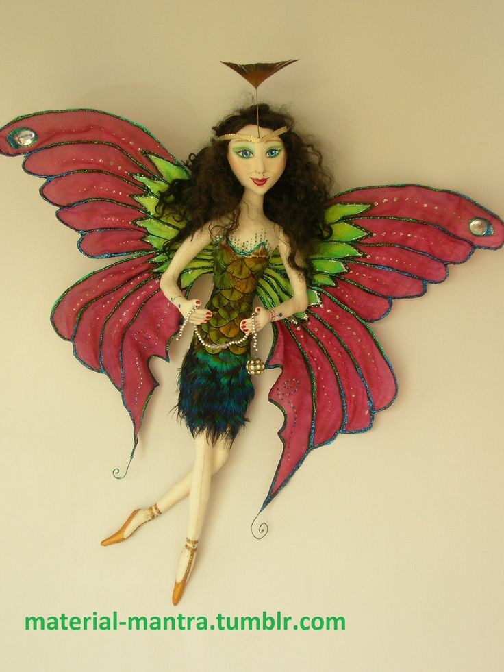 MADAM BUTTERFLY, I HAVE USED PEACOCK FEATHERS FOR DRESS, THE PATTERN TOOK A FEW TRIES #ARTDOLL #CLOTHDOLL #MADAMBUTTERFLYDOLL.