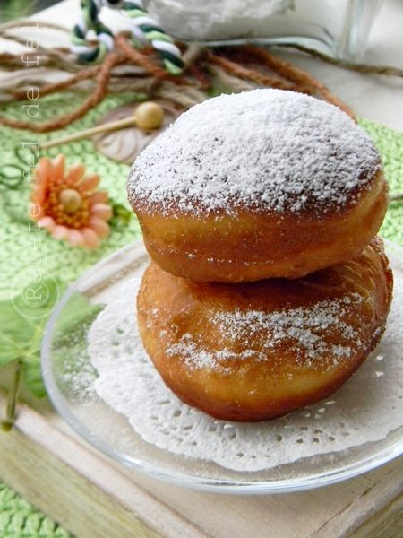 http://iulianaflorentina.blogspot.it/2012/10/krapfen.html