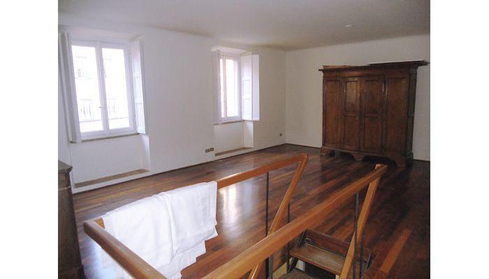 Particolare abitazione in contesto d'epoca - Via dell'Orso, Milano http://www.home-lab.org/it/abitazioni?view=property=233:via-dell-orso-milano
