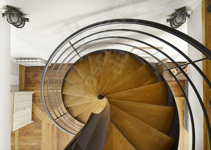 les 304 meilleures images propos de un escalier en acier et bois sur pinterest florence. Black Bedroom Furniture Sets. Home Design Ideas
