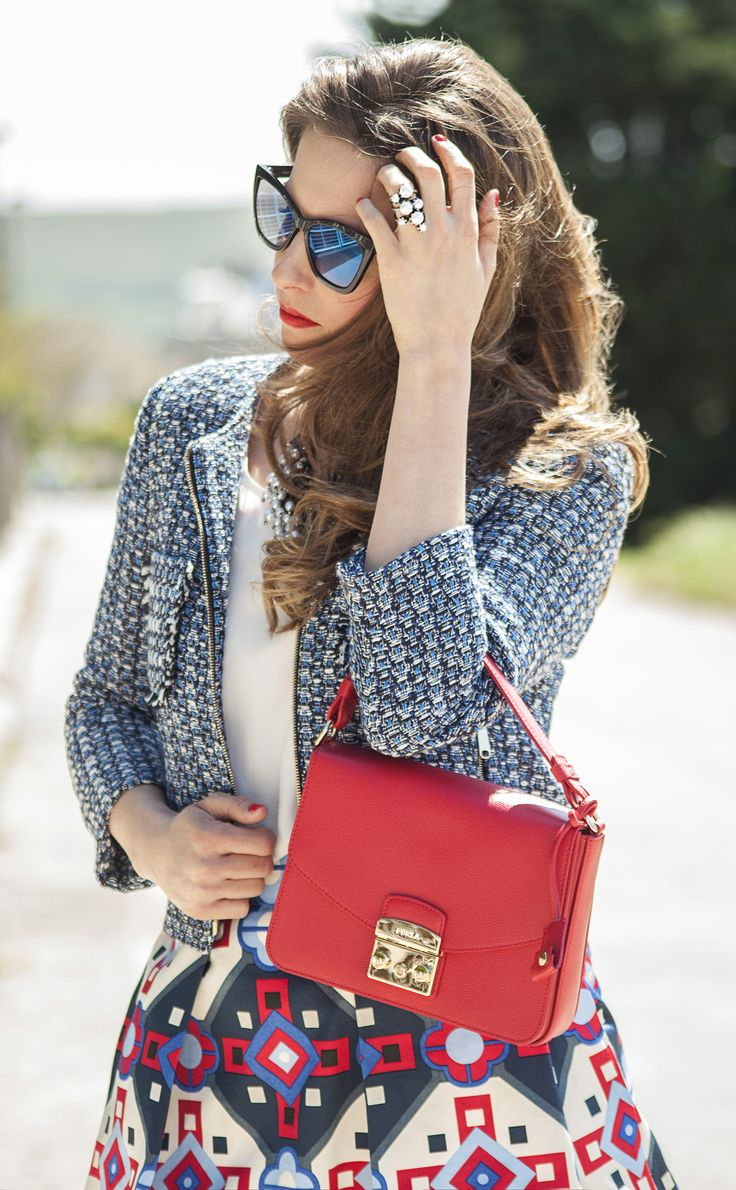 Mix 'n' Match for #FURLAPERFECTMATCH! #SophieArtPhoto #HelenaStyle #maxandco #FURLA #fashion #fashionblogger #style #streetsyle #accessories #red #blue #necklace #sunglasses #statement jewellery #ring #ilovemomblog