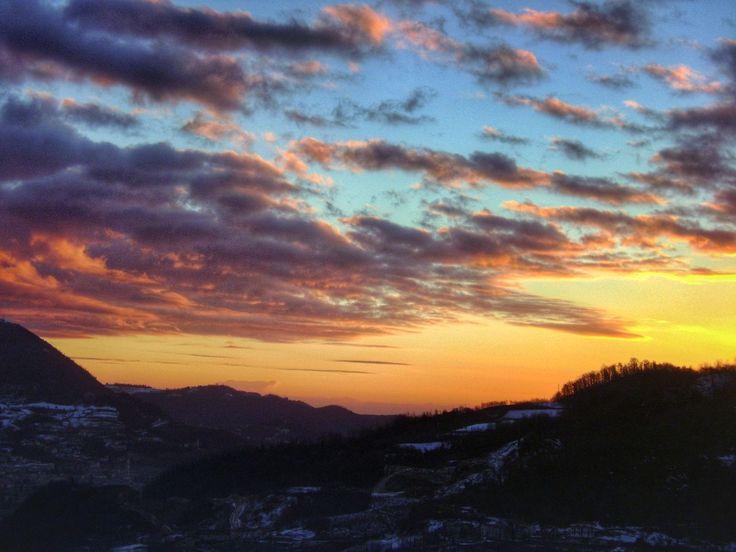 sunset, orange color, scenics, tranquil scene, sky, beauty in nature, tranquility, cloud - sky, dramatic sky, nature, idyllic, mountain, cloudy, cloud, landscape, weather, silhouette, non-urban scene, majestic, moody sky