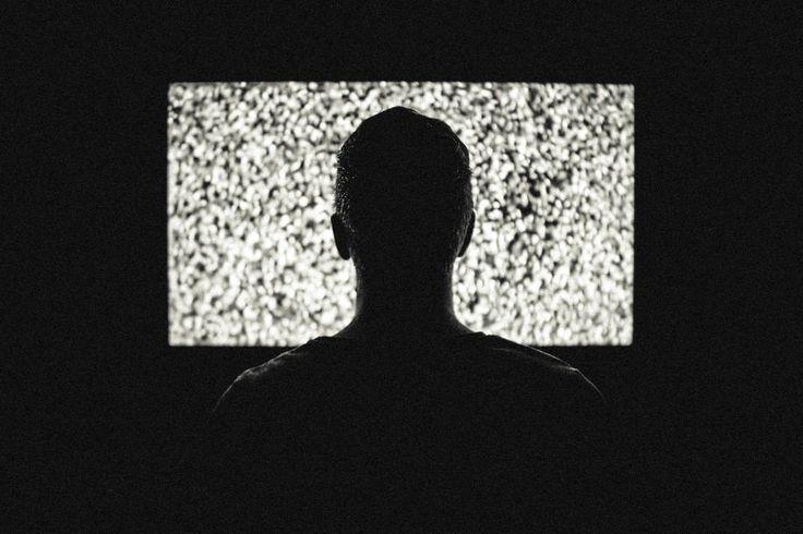 Primeiro sintoma da disputa que promete movimentar o mercad de TV paga e programação pode estar sendo sentida na briga pelo adiamento do desligamento da TV analógica na cidade de São Paulo
