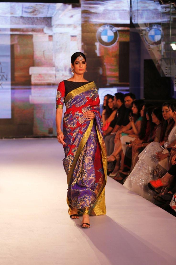 Purple Kanjivaram Silk Saree With Blouse #bandbaajaa.com #bandbaajaa #weddingsarees #weddingsaris #bridalsarees #bridalsaris #designersarees #designersaris #sarees #saris #weddingwear #weddingshopping #neetalulla #neetalullasaree