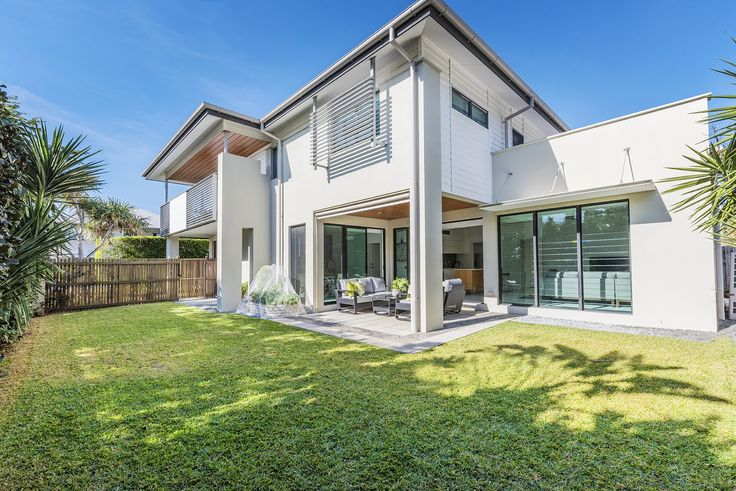 BULIMBA 1 Shore Crescent...A truly outstanding residence situated in a prized Bulimba locale, this is the contemporary family home you have been searching for.