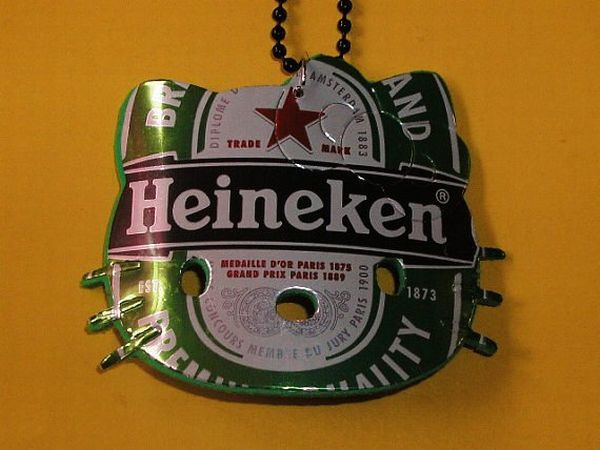 Beer can art heineken hello kitty eco upcycled recycled for Diy beer can art
