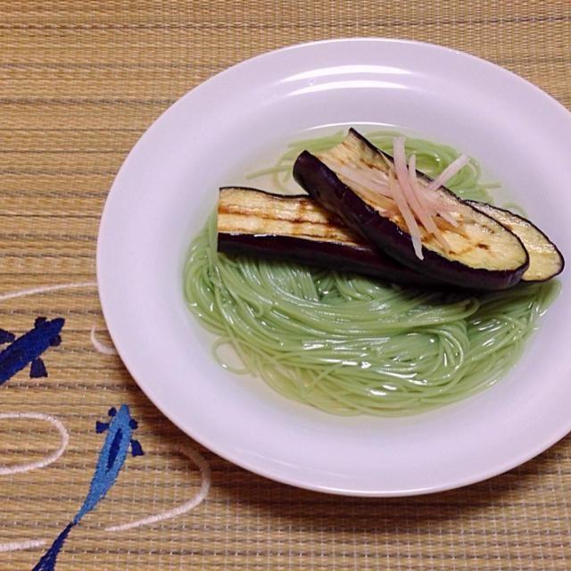 暑い暑い夏の涼 あぶりなすオリーブ手延素麺 ゆるゆると お召し上がり下さいませ - 158件のもぐもぐ - 公式ヤマキ様「あぶりなすそうめんオリーブオイルがけ」を参考にした料理 by urasimataro16