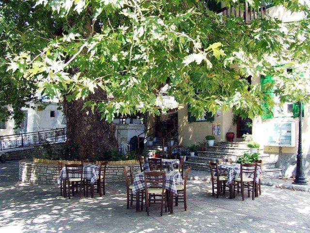 Κουμαίϊκα. Η πλατεία