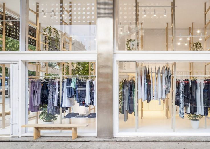 Minimal and creative Mit Mat Mama store in Barcelona