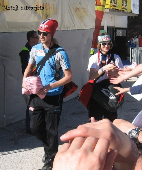 Tom Hilde was giving away some hats :)