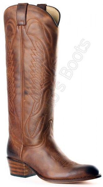 Corbeto's Boots | 8840 Debora Floter Ours Usado Marrón | Bota cowboy Sendra Boots caña alta piel engrasada marrón para mujerB, las botas que usa Sara Carbonero las encontrarás en Corbeto's Boots. / Ladies Sendra knee high greased brown cowboy boots. Find the boots that Sara Carbonero wears at Corbeto's Boots.