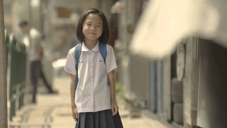 Inspirational Advertisement. Random acts of kindness rewards you with beautiful heart warming emotions. Its all worth it; giving whole heartedly.
