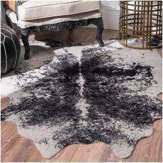Shop for nuLOOM Faux Cowhide Contemporary Rawhide Black Rug (5' x 6'7). Get free…