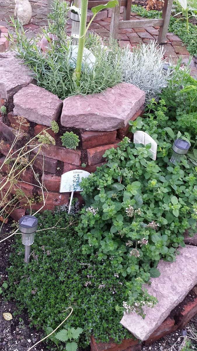 Jak si založit bylinkovou spirálu