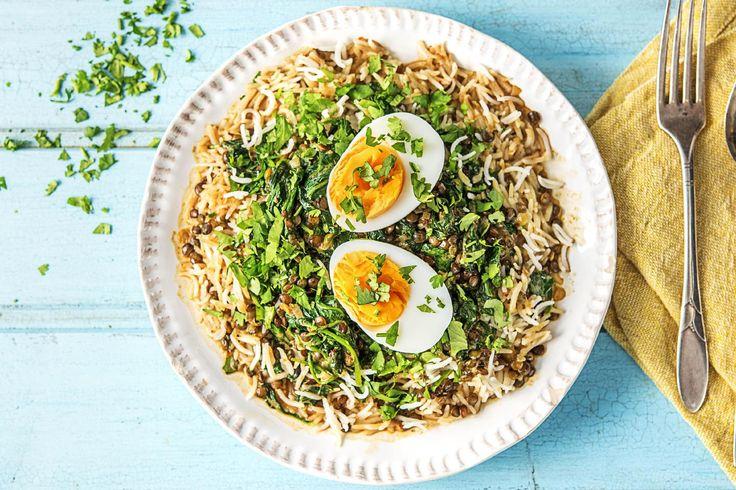 Linzencurry met spinazie en ei