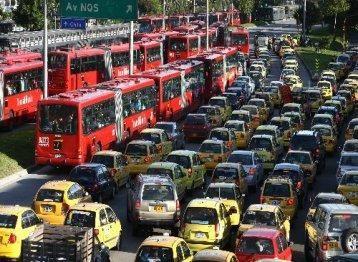 """Pregopontocom @ Tudo: 'Em Bogotá, sistema de ônibus entrou em colapso'  O sistema começou a ser construído em 1998 e foi inaugurado em 2000, durante a administração do prefeito Enrique Peñalosa. Mas, 14 anos depois, enfrenta graves problemas de superlotação. """"O Transmilenio começou a entrar em colapso"""", disse ao Estado Maria Fernanda Rojas, que dirigiu o Instituto de Desenvolvimento Urbano de Bogotá até setembro e esteve em São Paulo para participar do evento"""