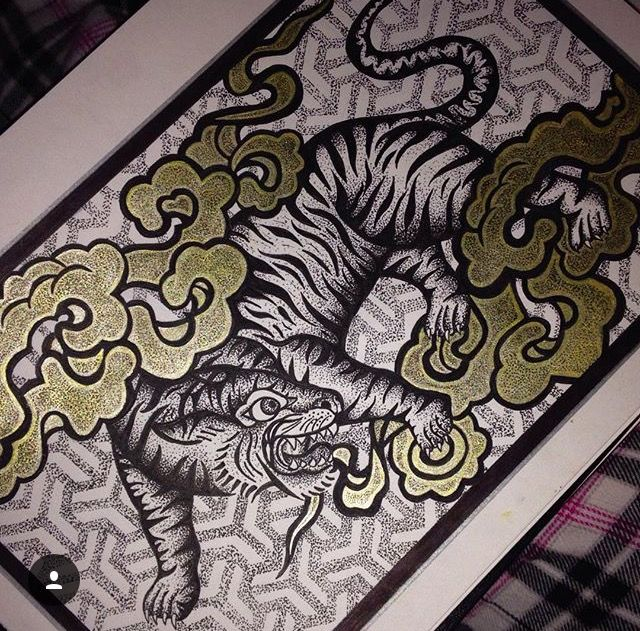 Dotwork with waterproof fineliners and a gold gel pen #art #dotwork #ink #tattoo #sketch #tiger #gold #gelpen #fineliners #animals