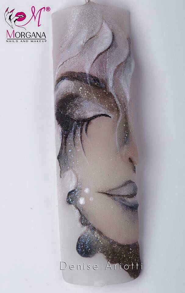Nail art realizzata con tecnica Silk  VERY COOL !!