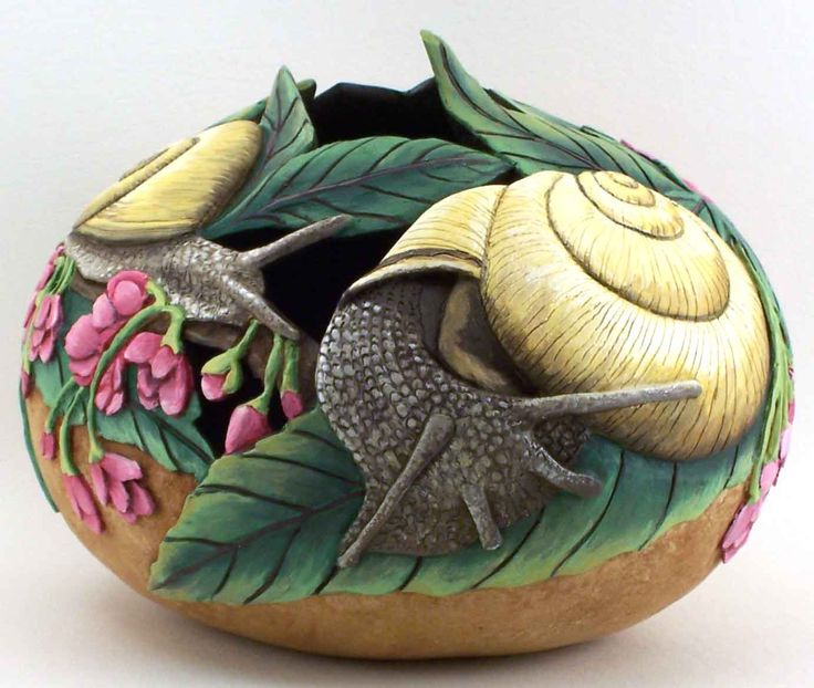 gourd...beautiful!  This has got to be Phyllis Sickles work!  Her carving is off the charts!!!