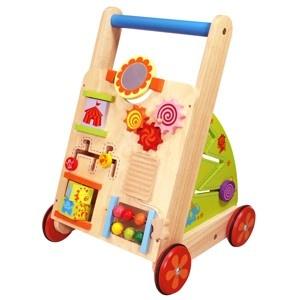 Multifunctionele loopkar met oneindig veel mogelijkheden. Deze loopwagen is geschikt voor de kleintjes, een handig hulpmiddel om te leren lopen. Ook is deze duwwagen voorzien van allerlei leuke educatieve activiteiten zoals rammelen, draaien, kijken enz. Voorzien van een spiegeltje, labyrinth en nog veel meer.  De wieltjes zijn voorzien van een rubberen loopvlak om geen krassen op de vloer te veroorzaken...    Iedere zijde is voorzien van educatieve speelopties:    -