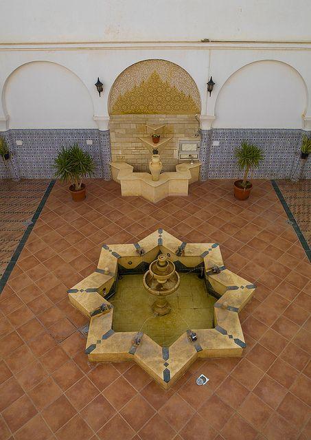 Benghazi >> Atrium In An Old House, Benghazi, Libya