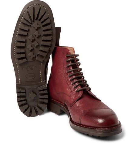Handcrafted in England with the utmost care, these Cheaney boots are proof of the brand's uncompromising standards. They're crafted from burgundy pebble-grain leather and set on rubber commando soles for durability. With spongy linings to cushion your tread, this pair is endlessly comfortable. Treat yours with a silicone-free wax polish to keep them pristine.