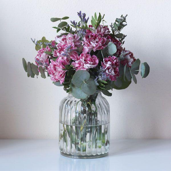 Ramo de flores Violet Hill   The Colvin Co   Flores por internet