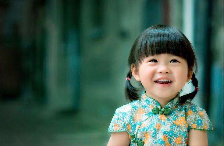 chinese baby girl | The baby girl wearing kids' cheongsam - Sense of China