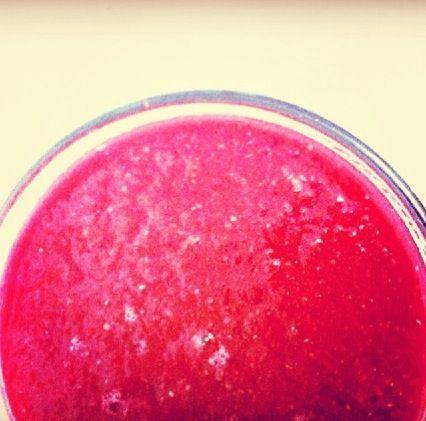 Sumo antioxidante: Beterraba+kiwi+maçã+banana+canela+chia e água de côco