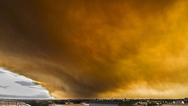 Incredible images have emerged from civilian snappers of the NSW fires. (Photo: Kurt Ams)