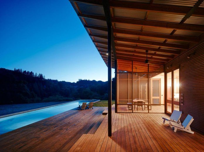 Malcolm Davis Architecture built an off the grid home, an amazing indoor/outdoor living space - Page 2 of 2 - CAANdesign | Architecture and home design blog