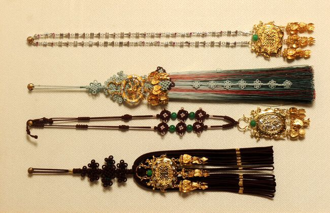 NoRiGaes and Necklaces.