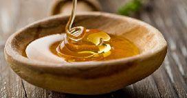 Masque au miel visage pour peau à tendance acnéique      3 cuillères à café de miel     1/2 cuillère à café de cannelle  Mélangez le miel et la cannelle, et appliquez sur le visage. Laissez le masque de 10 à 30 minutes. Le miel associé à la cannelle ont des propriétés antibactériennes qui permettra de lutter efficacement contre l'acné.