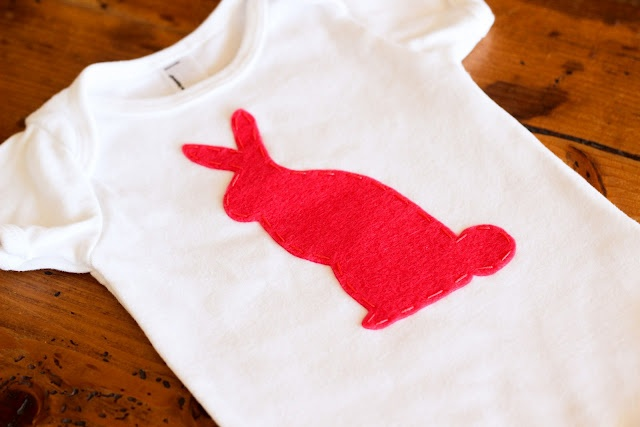 bright bunny applique: Diy Bunnies, Sweet Bunnies, Diy'S, 2011 Baby, Easter Onesie, Onesie Sconces, Super Cute, Appliques Stuff, Bunnies Sconces