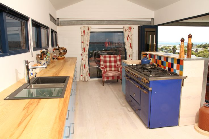 The kitchen 7m. working space !!