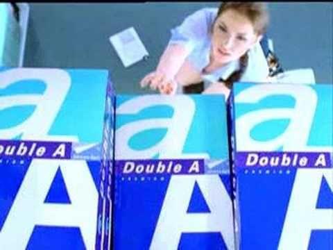 Reklama papieru do kserokopiarek, już to widzieliśmy wcześniej, ale warto zobaczyć w nowej wersji  Copy Machine hot commercial