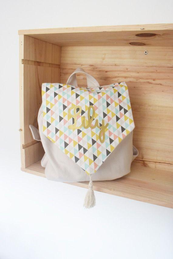 sac a dos enfant pour maternelle crèche - modèle multicolore prénom or