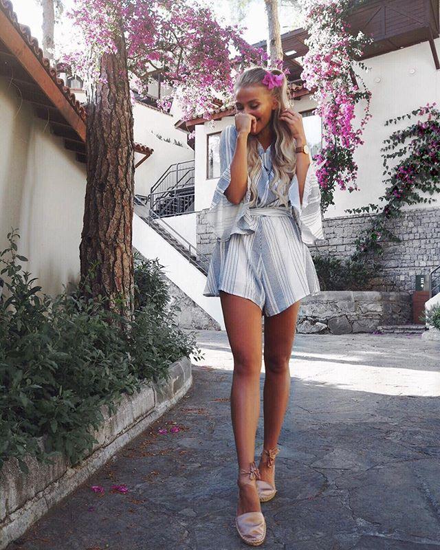 WEBSTA @ anajohnson___ - Schönes Wochenende wünsche ich euch Babes 🌸______________________________________#hillsidebeachclub #heavenonearth #tbt #fashion #flowers #girls #love #happy #happy #vacation #holiday #travel #blonde #fashiongoals #style #summer #americanstyle #kissinfashion #inspiration #look #fashionaddict #goals #youtube #sea #instagood