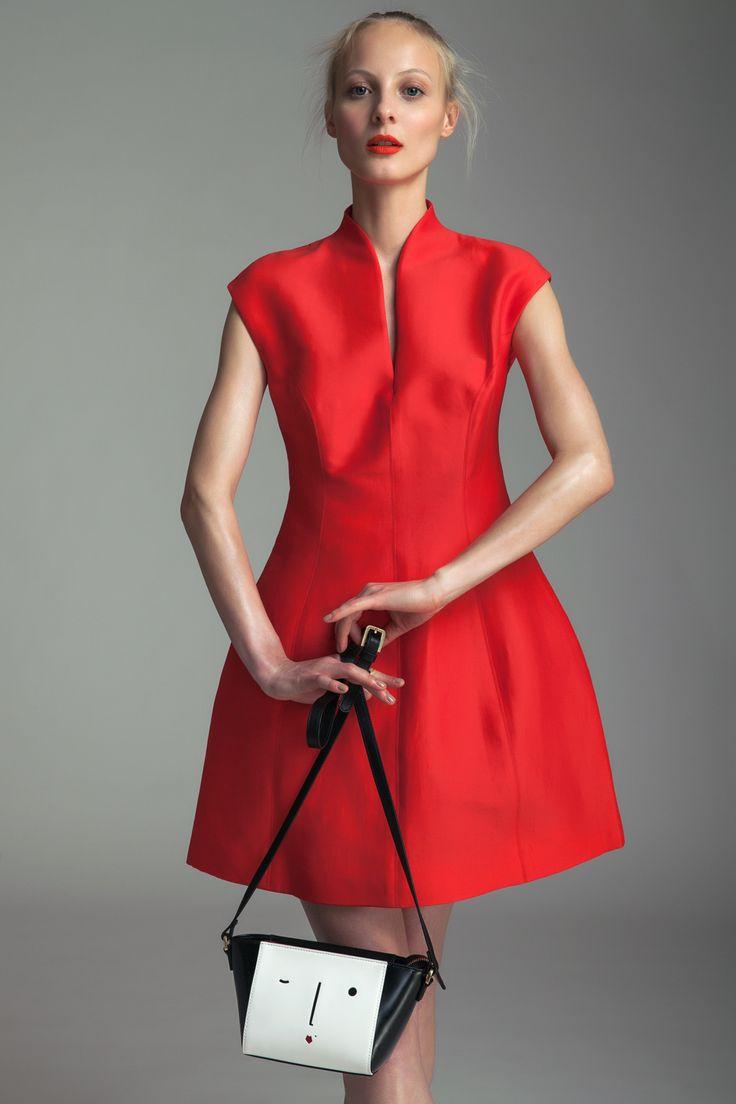 Dress Halston Heritage, 15 390 CZK Handbag Lulu Guinness, 5690 CZK