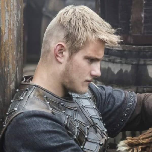 Short Viking Faded Undercut - Die 25 coolsten Wikingerfrisuren für Männer