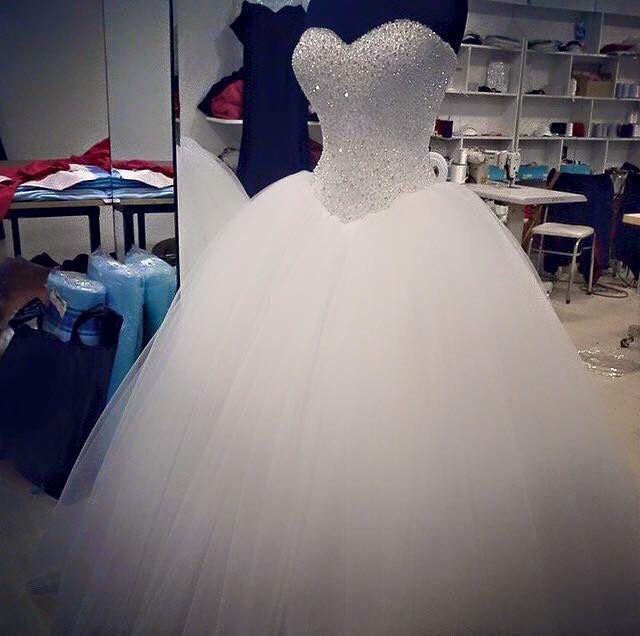 Min brudekjole helt klar, så smuk